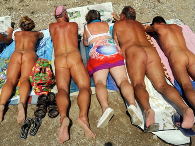 Нудисты просят выделить им участок под пляж в новой Москве. Записи admin.