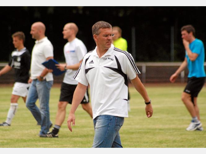 Uli Sauerborn stand jahrelang in der Verantwortung bei der FSV Werdohl, war von 2007 bis 2012 Trainer. Mit dem Ende der laufenden Saison wechselt er als Sportlicher Leiter zum Westfalenligisten FC Iserlohn. - Archivfoto: Becker