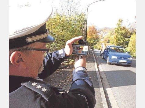 """Sechs Messstellen: Von Donnerstag bis Freitag rückt die Polizei zum zweiten bundesweiten """"Blitz-Marathon"""" aus."""