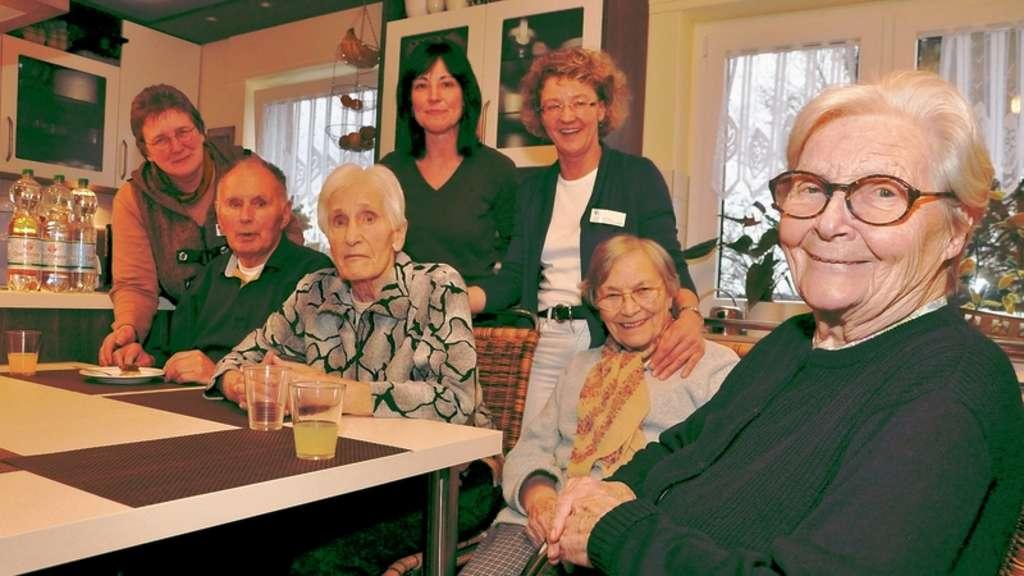 Senioren Wohngemeinschaft Zieht Erste Bilanz Harmonische Gruppe