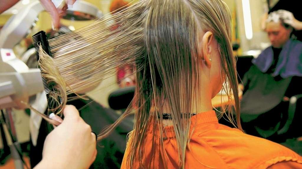 Nach Einer Eu Richtlinie Sollen Friseure Jugendlichen Unter 16