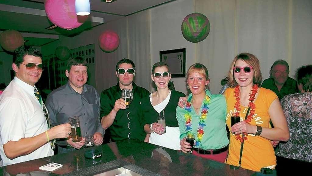 100 Besucher bei der Silvesterparty in Beckum / Schützen ...