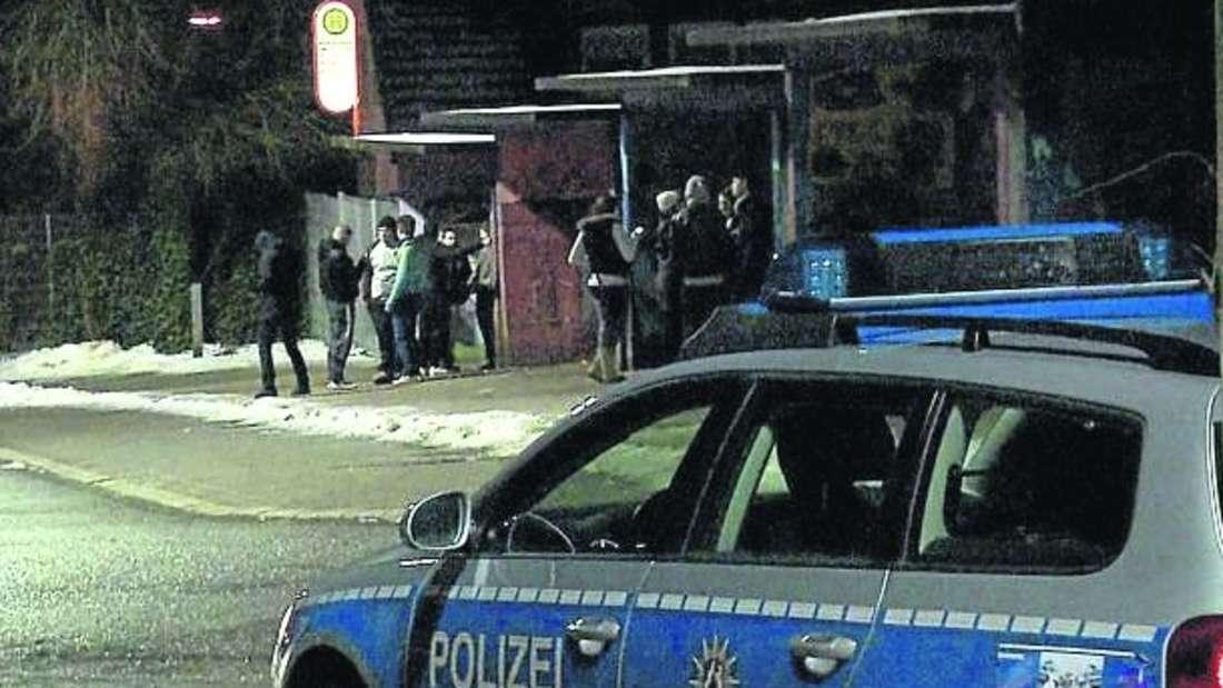 Die Polizei wurde zum Bächterhof gerufen, wo sich Jugendliche per Facebook zu einer Schlägerei verabredet hatten.