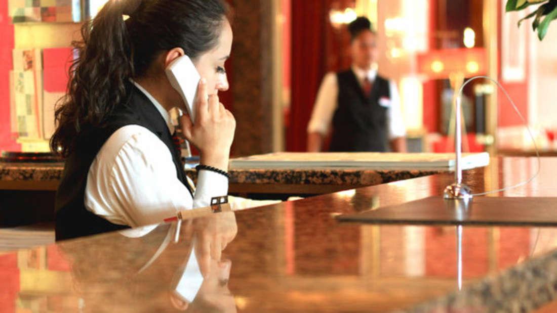 In Hotels passierenviele kuriose und lustige Geschichten. Lastminute.de hat in einer anonymen Befragung 500 Hoteliers nach ihren Erlebnissen gefragt. Sehen Sie hier die zehn besten Geschichten.