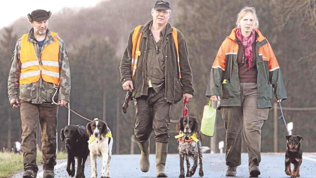 Rund 50 Jäger machten sich am Samstag auf den Weg in die Reviere.