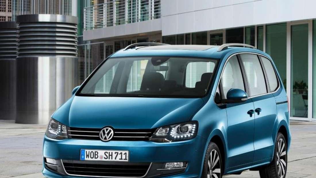 Das Facelift-Modell des VWSharan bietet mehr Ausstattung und effizientere Motoren. Foto: Volkswagen