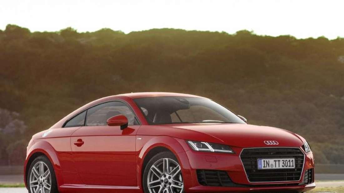 Weniger für weniger: Wer sich mit 132 kW/180 PS zufrieden gibt, bekommt den Audi TT ab Juli schon für 32 100 Euro. Foto: Audi
