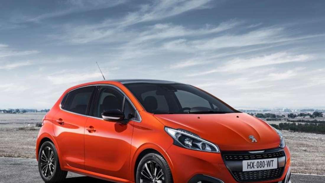 Aufgefrischter Franzose: Der Peugeot 208 wurde überarbeitet, verändert sich dabei äußerlich aber nur wenig. Foto: Peugeot