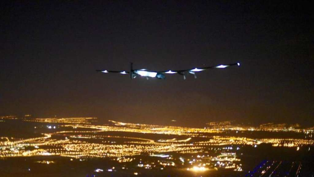 Die Solar Impulse 2 beim Anflug auf Hawaii. Foto: Revillard/Solar Impulse