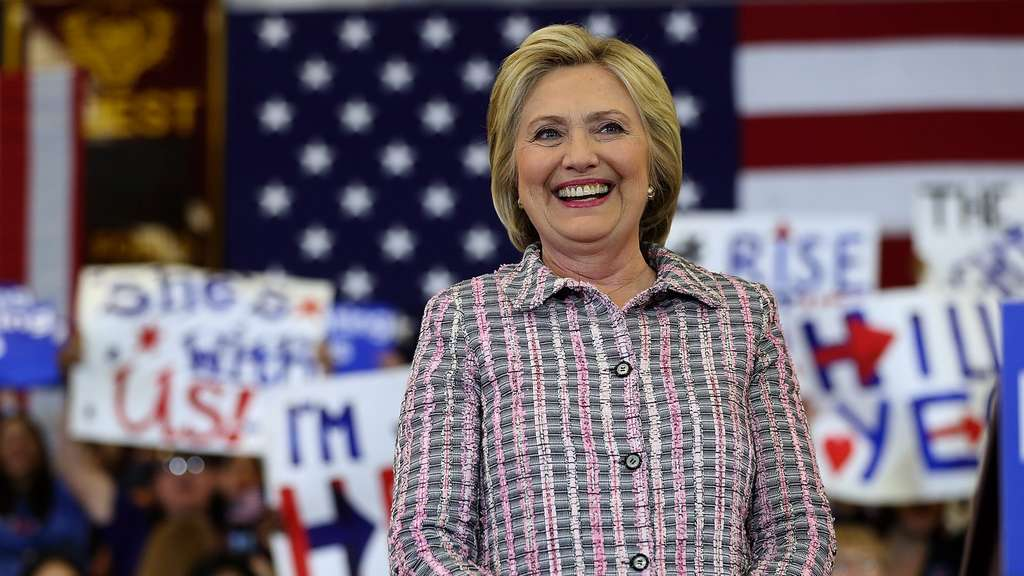 Hillary Clinton Campaigns In California&#39s Bay Area Ahead Of State Primary