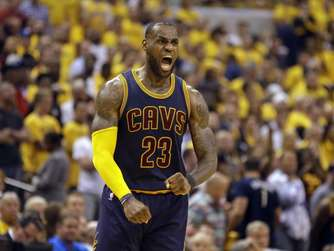 NBA-Playoffs: LeBron James überragt bei Cleveland-Sieg