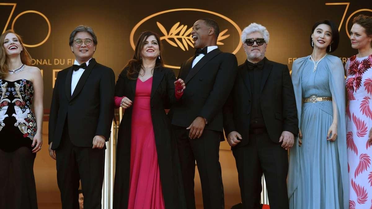 Trotz TerrorAngst Cannes legt strahlenden Start hin  Stars