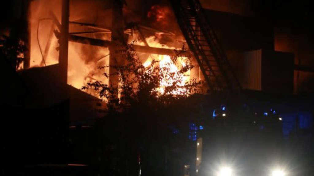 16.09.2017 Überörtliche Hilfe durch die Feuerwehr Halver bei Brand in Plettenberg
