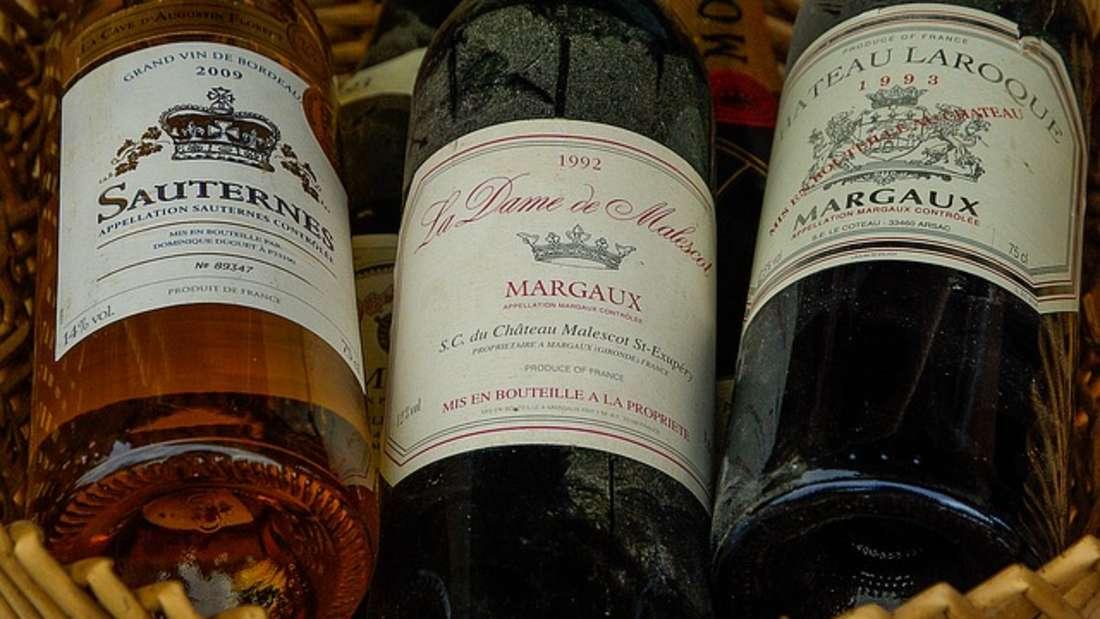 Statussymbole wie Luxusuhren oder Oldtimerrücken immer mehr in den Fokus als weitere lukrative Geldanlagen. Darunter auch Wein. Schließlich kann ein edler Tropfen nach ein paar Jahren schon mal so viel wert sein wie ein 3er BMW. Laut der Londoner Finanzberatung Knight Frank ist der Wert von Wein sogar um 24 Prozent nach oben geschossen. Praktisch daran: Die Flaschenkönnen Sie in Ihrem hauseigenen Weinkeller lagern.