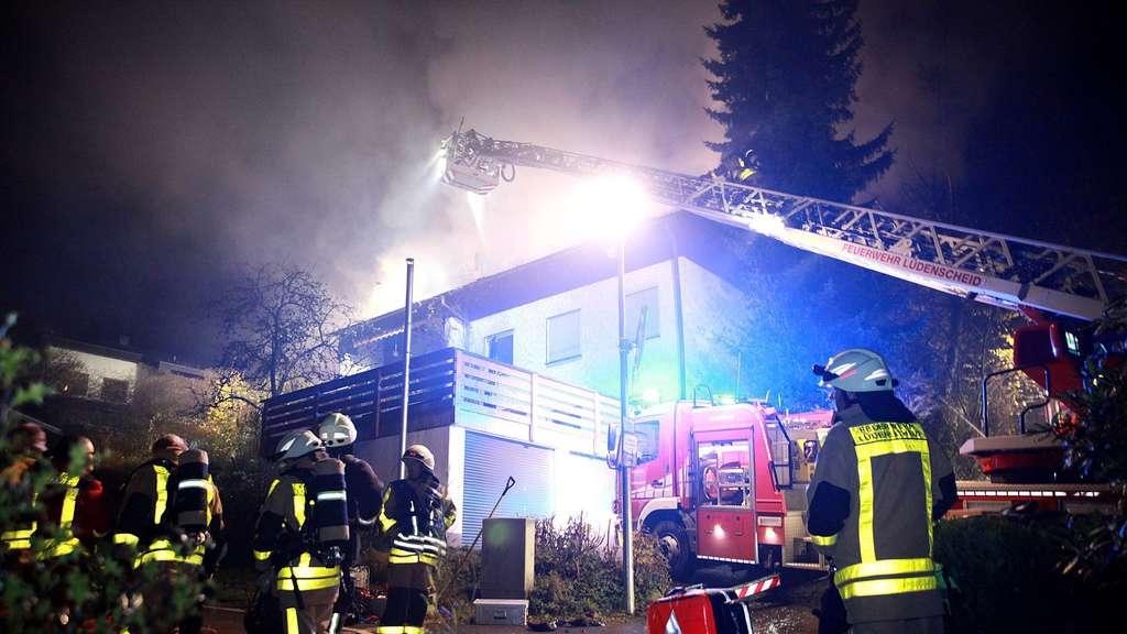 Das Haus in Gevelndorf brannte in voller Ausdehnung.