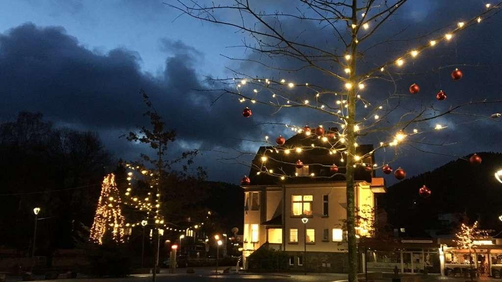 Weihnachtsbilder Mit Licht.Stimmungsvolle Weihnachtsbilder Aus Werdohl Neuenrade Und Balve