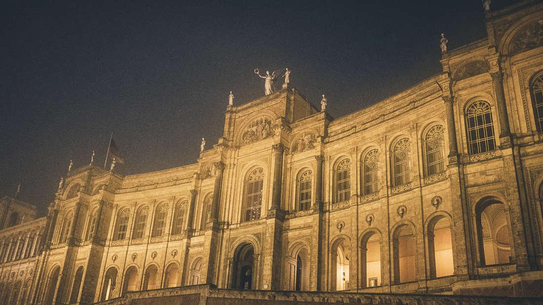 Im Zweiten Weltkrieg zerbombt und durch den bekannten Münchner Architekten Karl Kergl wiederaufgebaut: das Maximilianeum