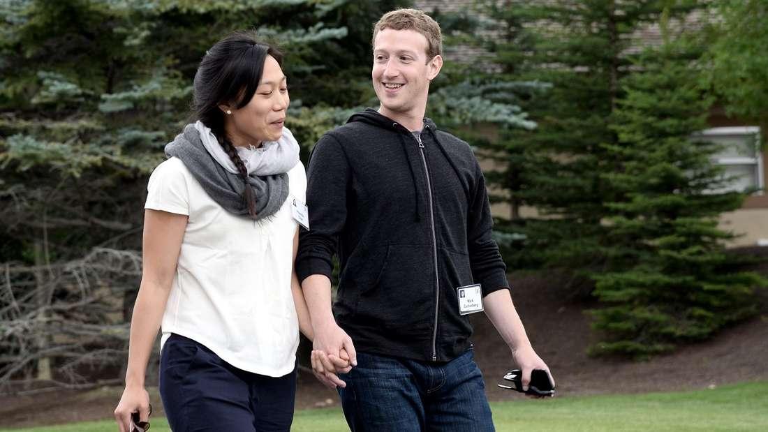 Mark Zuckerberg soll trotz seines unglaublichen Vermögens einen eher einfachen Lebensstil pflegen - zusammen mit seiner FrauPriscilla Chan und seinen beiden Töchtern.