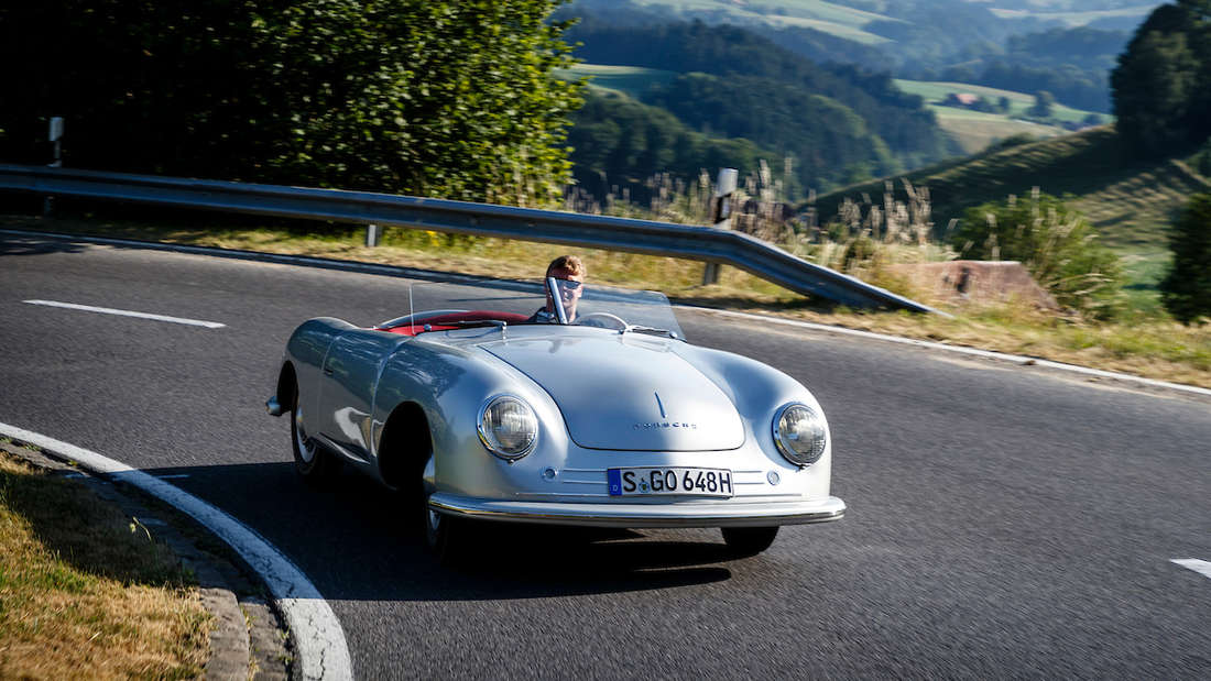 Zehn Jahre nur im Museum – und jetzt wieder auf der Straße. Zum 70. Jubiläum hat Porsche die Nummer 1 herausgeholt.