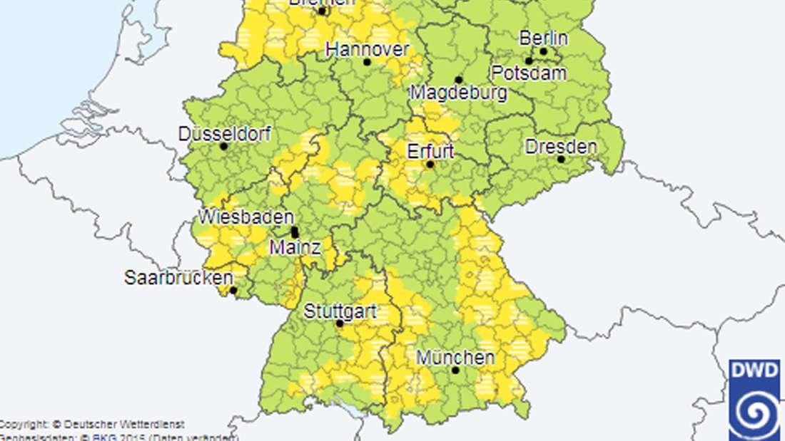 In den gelben Gebieten gilt eine amtliche Warnung vor Nebel.
