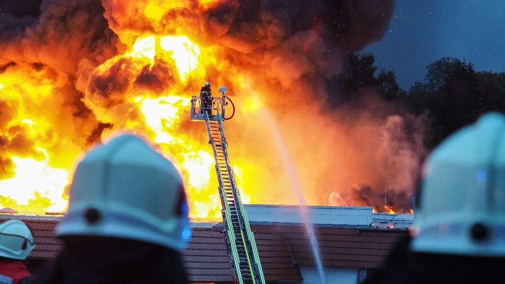 23.09.2018 Überörtliche Hilfe; Ü-Meß der Feuerwehr Halver bei Großbrand in Iserlohn