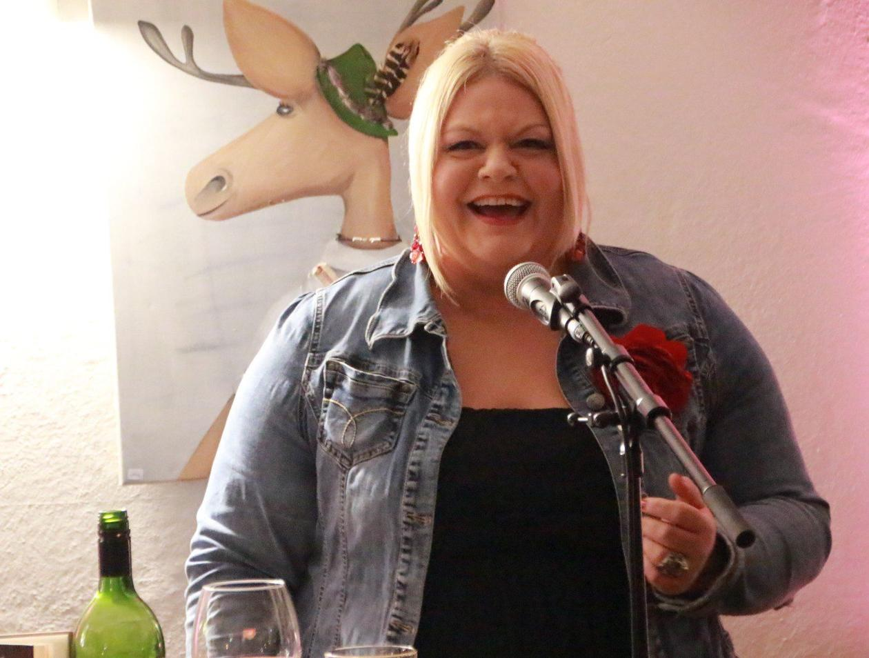 """Paarungszeit"""": Tine Wittler singt Chansons in Neuenrade ..."""