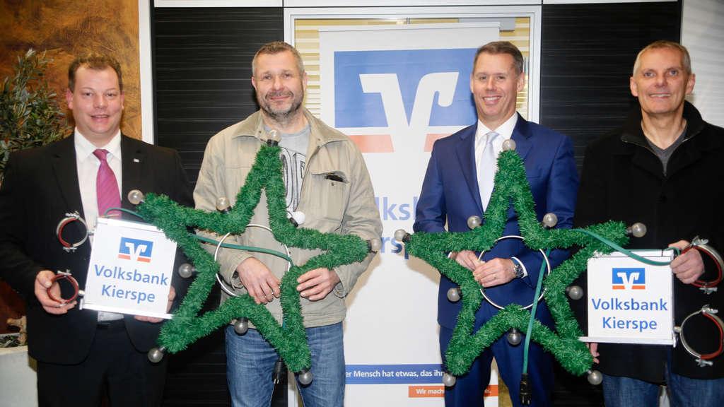 Ersatzbirnen Für Weihnachtsbeleuchtung.Fünf Neue Weihnachtssterne Für Die Beleuchtung In Kierspe Kierspe