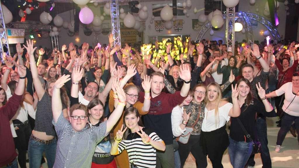Mit Knapp 900 Gästen War Mein Dorf Tanzt Wieder Komplett