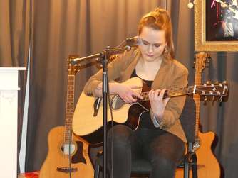 Fingerstyle trifft auf Songwriting
