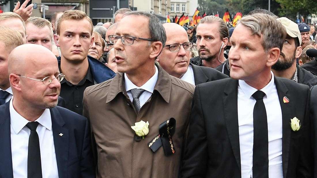 Brandenburgs AfD-LandeschefAndreas Kalbitz (l.) wird wie Björn Höcke (r.) dem rechtsnationalen Lager zugerechnet.