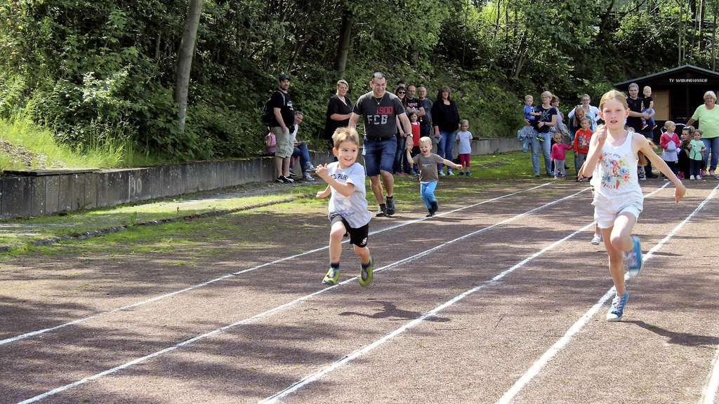 Kindersportfest: 40 kleine Sportler in Höchstform