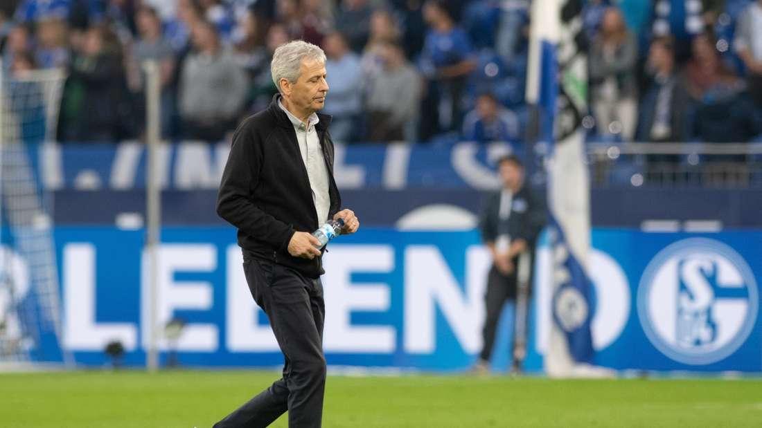 Schalke 04 und Borussia Dortmund trennen sich in einem rassigen Revierderby mit einem torlosen Remis.