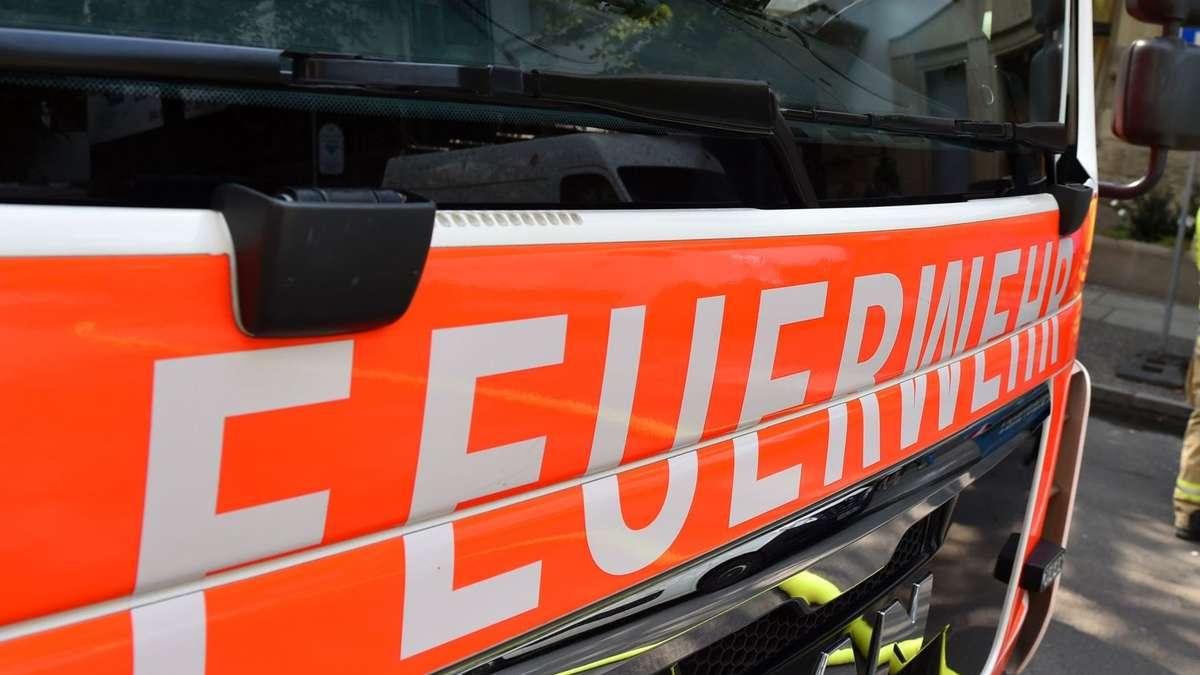 Brandstiftung: Dieser Parkplatz lockt offenbar Feuerteufel an | Kierspe - Meinerzhagener Zeitung