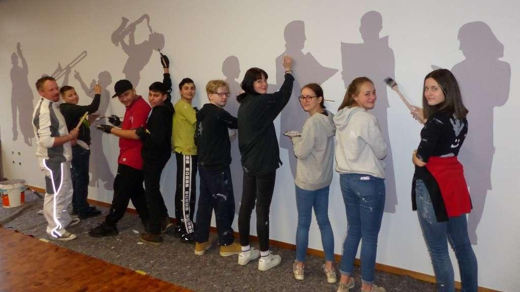 Azubi-Suche der anderen Art: Maler arbeiten mit Schülern im BGA (18.02.2020)