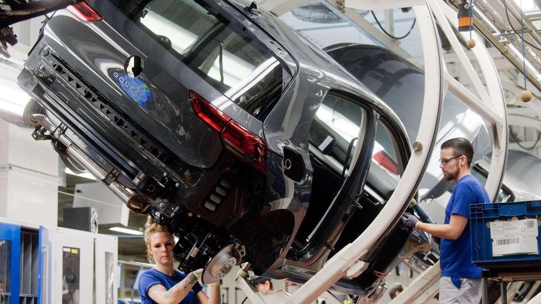 Produktion des VW Golf 8: Der neue Hoffnungsträger hat Probleme mit dem Notrufsystem eCall