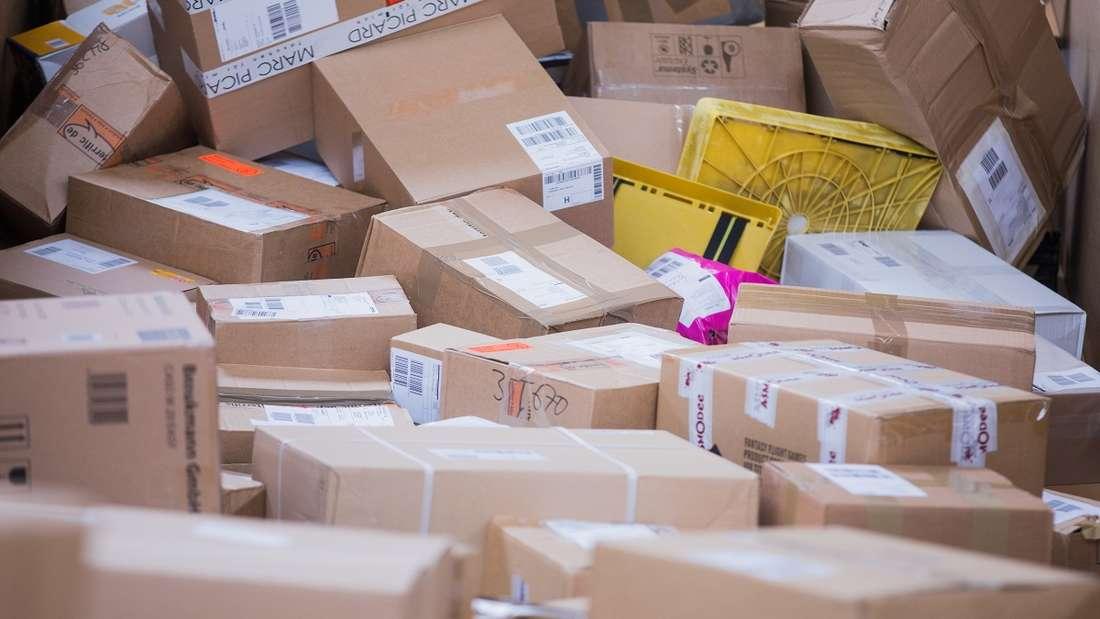 Paketboten haben täglich eine enorme Flut an Lieferungen zu stemmen.