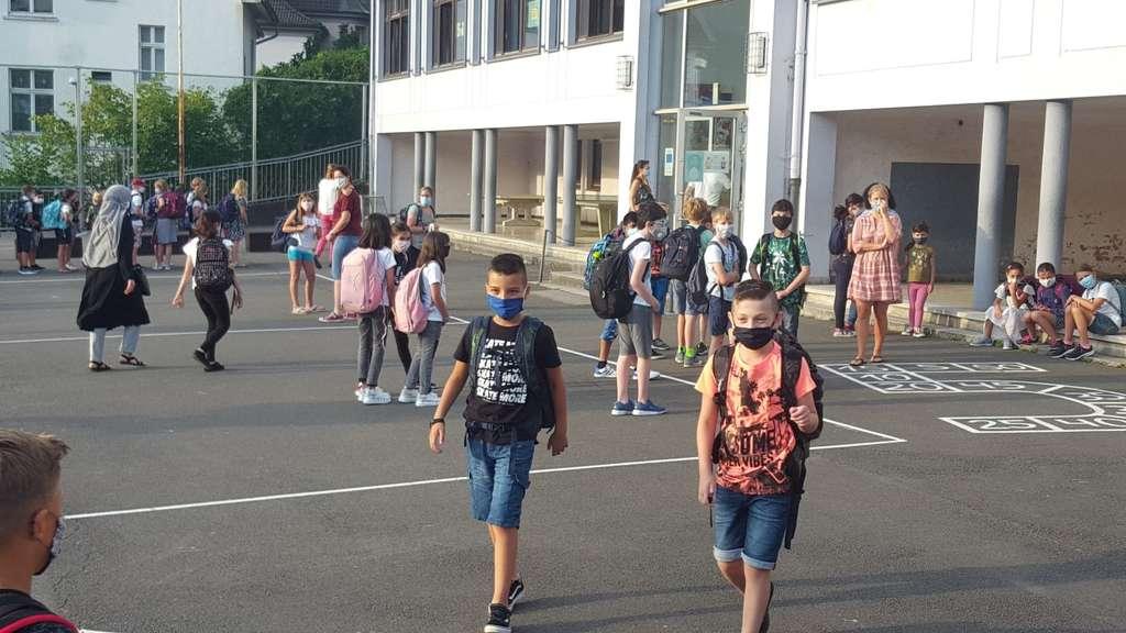 Erster Schultag: So lief es mit Maske und Abstand