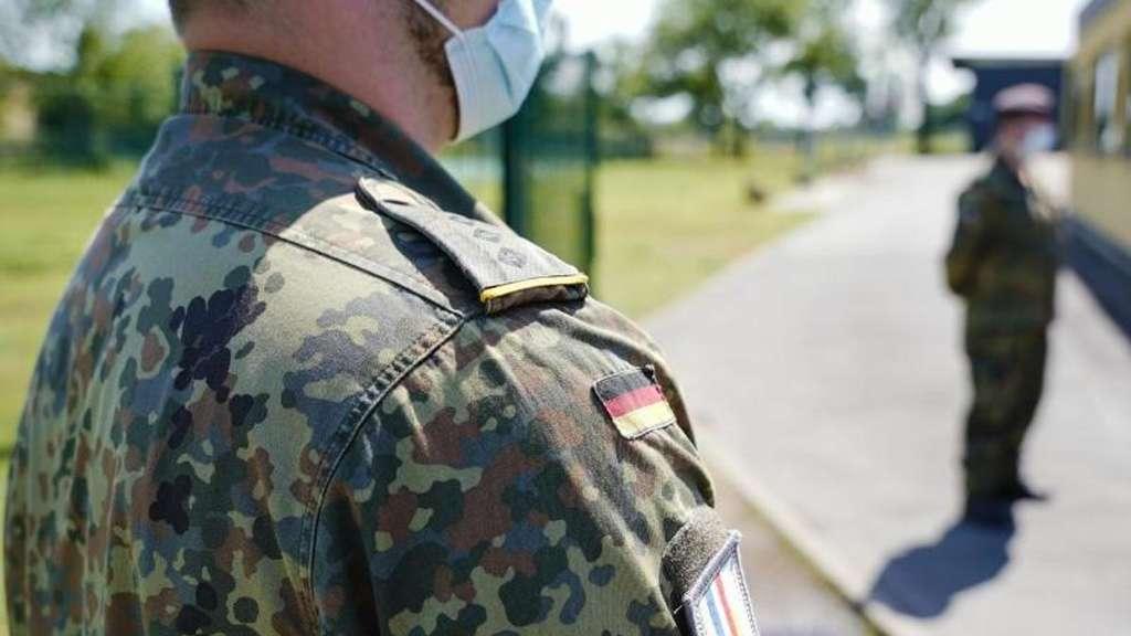 Polizei Verhaftet Einen Falschen Soldaten