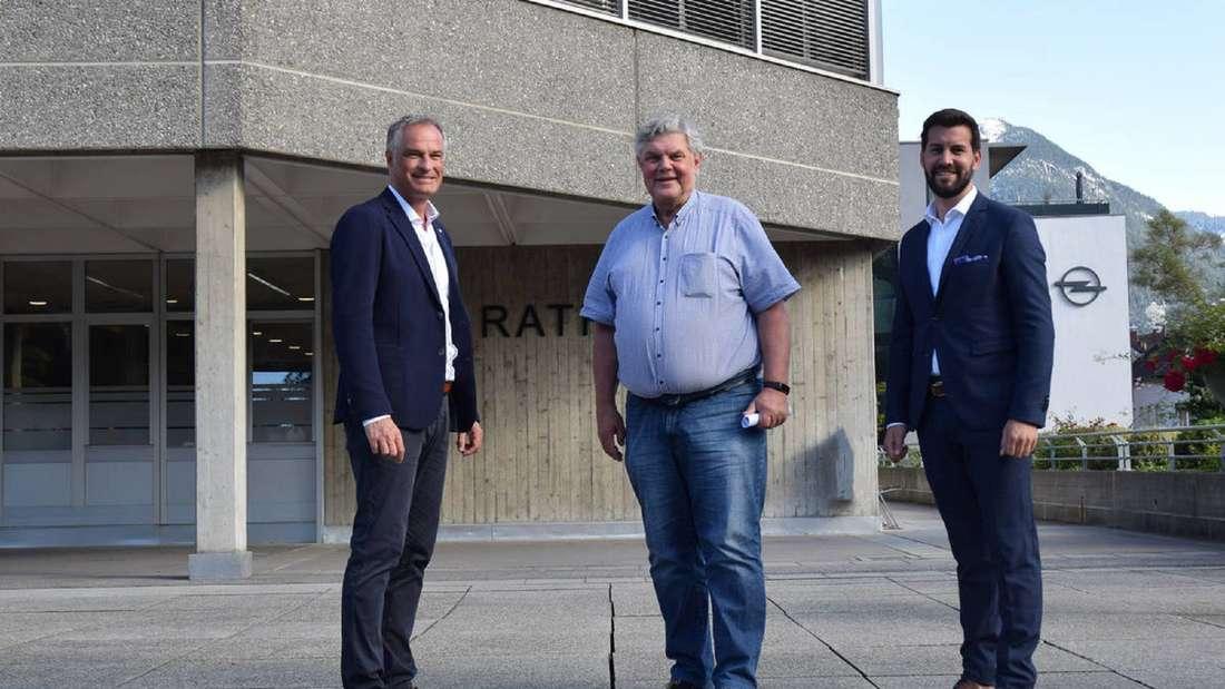 In Plettenbergs österreichischer Partnerstadt Bludenz setzte sich Simon Tschann (rechts) gegen Mario Leiter (links) durch und wird damit Nachfolger des langjährigen Bürgermeisters Mandi Katzenmayer.
