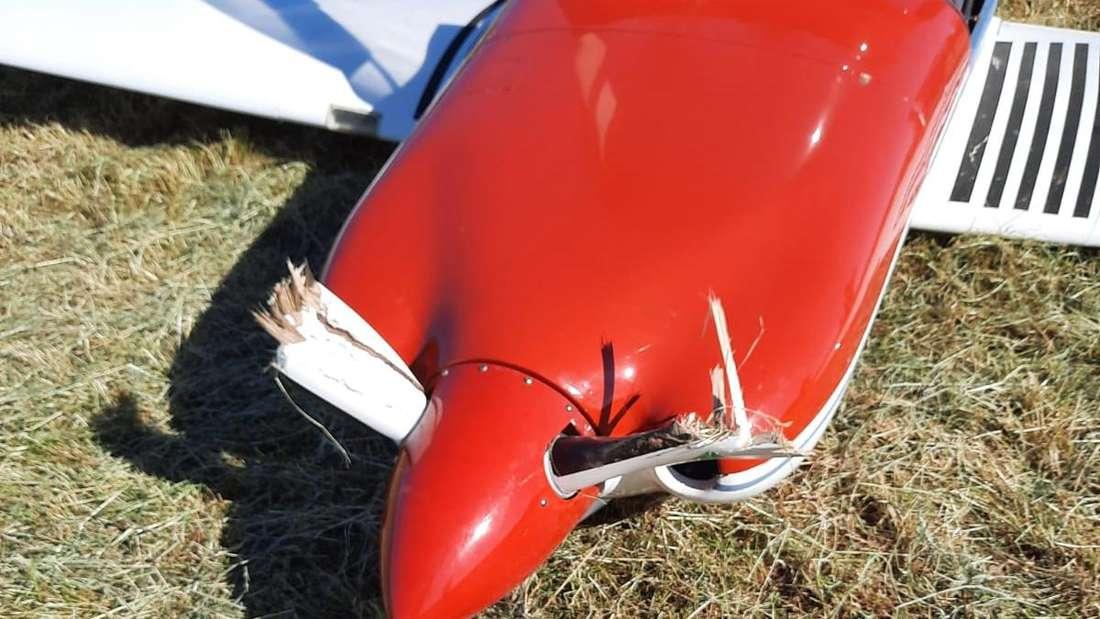 Ramponiert: Der Propeller der Maschine hat einiges abbekommen.