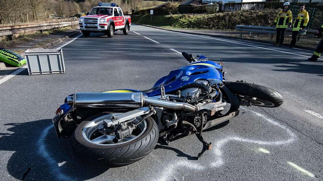 An Sonntagnachmittagen nimmt der Anteil der Motorradfahrer auf der L 561 am Silberg zu. Bedauerlicherweise haben sich bereits einige Unfälle ereignet. Auch der Lärm durch getunte Sportwagen wird zum Problem.