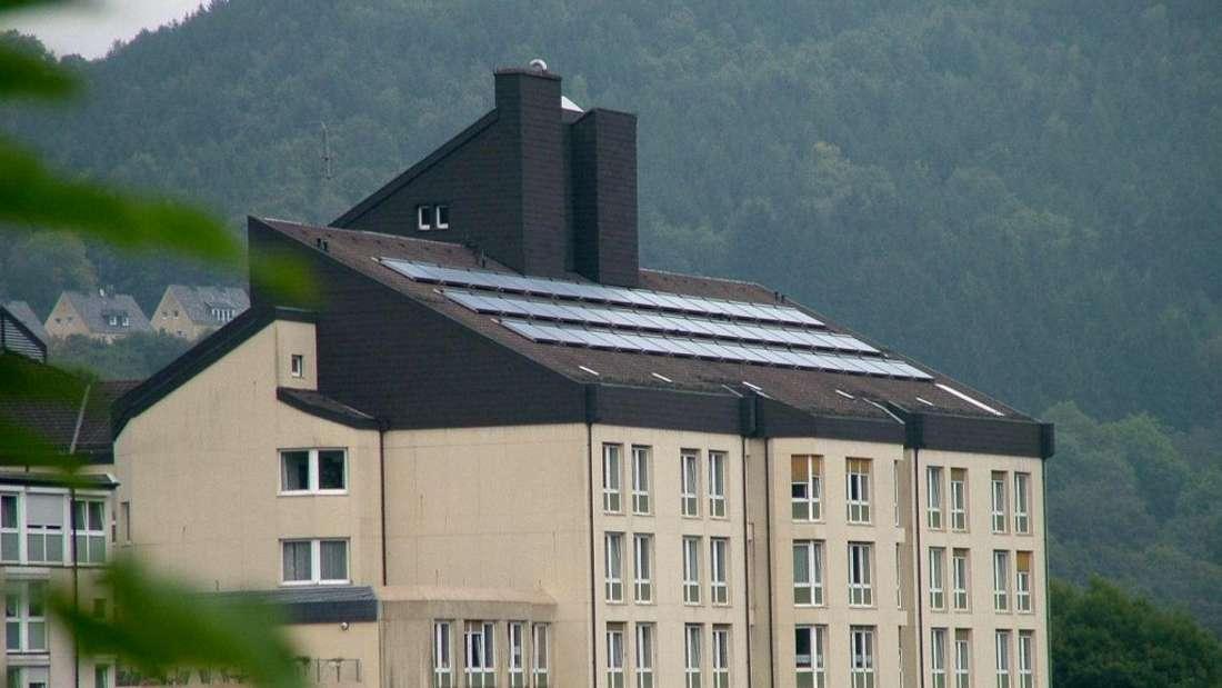 Im alten St.-Vinzenz-Krankenhaus  in Altena haben Diebe Röntgengeräte gestohlen.