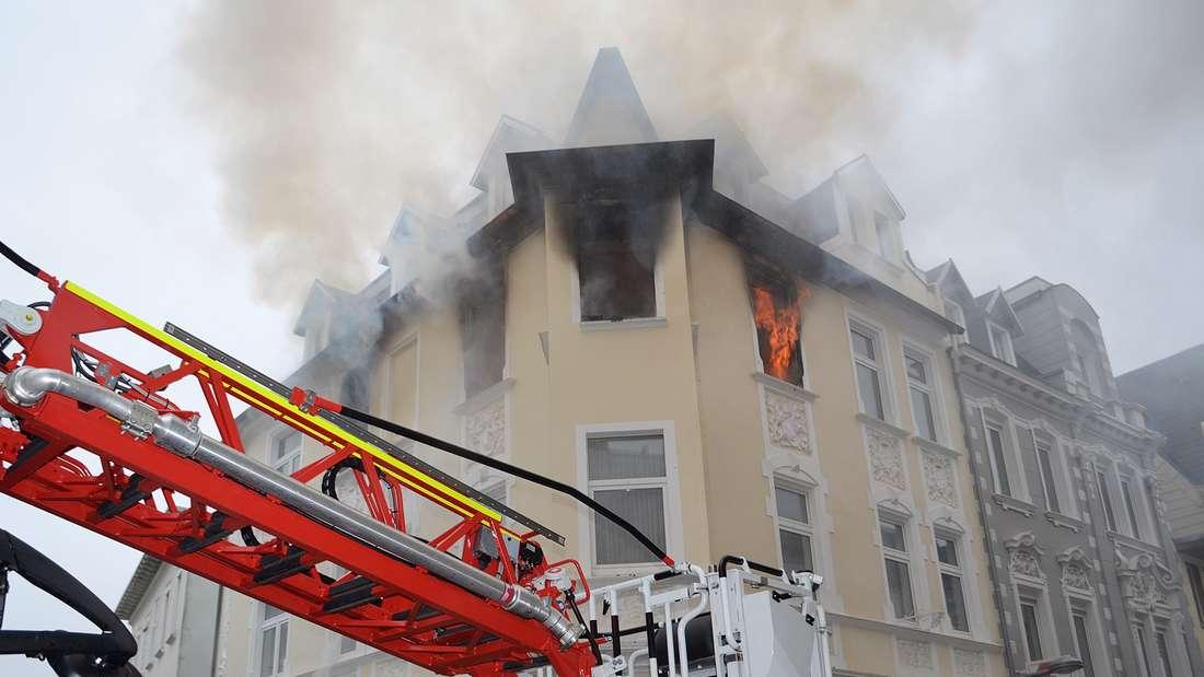 brennendes Haus in der Altstadt
