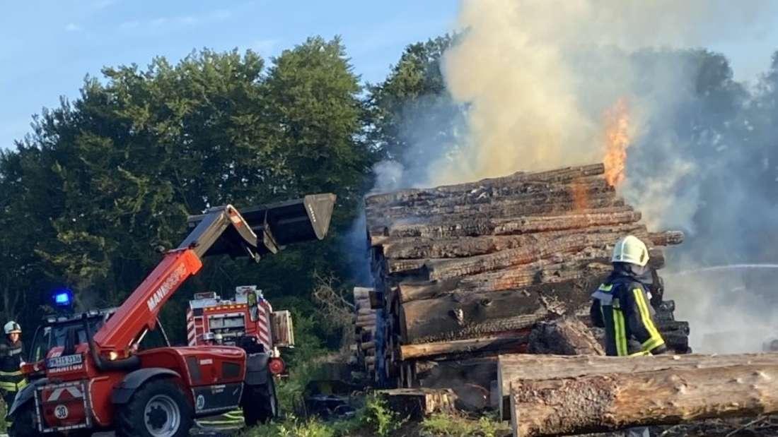 Iserlohner Spezialfahrzeug unterstützt bei Feuer in Hemer.
