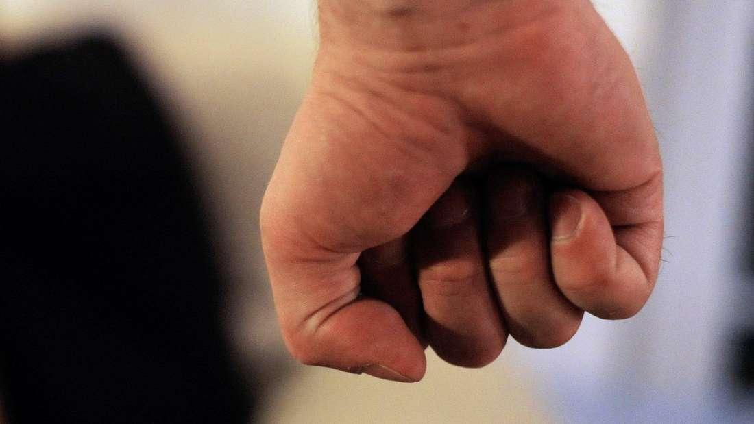 Ein Polizist aus Dortmund bat privat um Ruhe in einer Kleingartenanlage - und wurde brutal zusammengeschlagen.