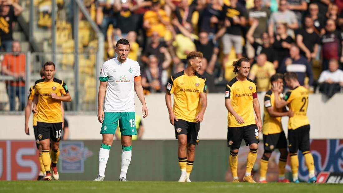 Werder Bremen um Ersatz-Kapitän Milos Veljkovic ist im Zweitliga-Spiel gegen Dynamo Dresden untergegangen.